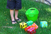 Oversized Backyard Games: DIY Lawn Yahtzee