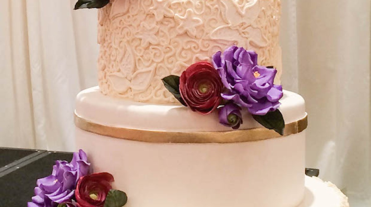Frost to Impress: Cake Decorating with Simple Scroll Piping Make: