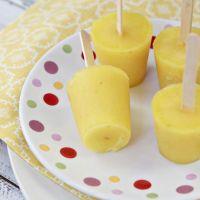june-kidskitchen-pineapplebananapops-final-closeup