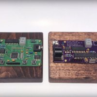 The Obscura is available in two different versions. SMD (left) and MNCS2 (right).