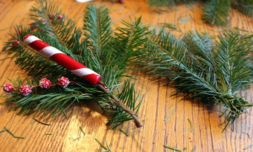 DIY Fresh Christmas Wreaths! Super fun and easy holiday craft. Try it this year! Small Town Girl Blog