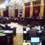 El Govern deberá regular los pisos turísticos antes de seis meses