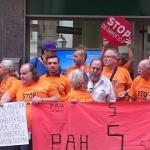 Los antidesahucios cargan contra el Govern