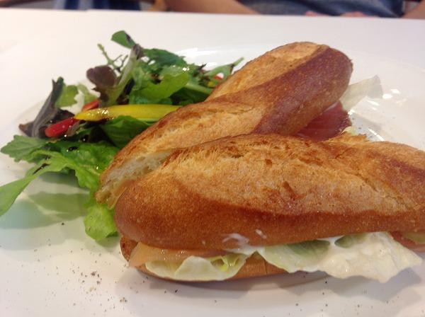 ミカフェート元町店カフェランチサンドイッチ