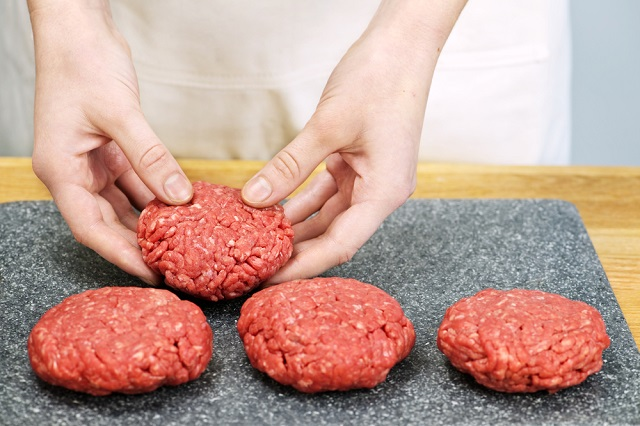 Como fazer hambúrguer caseiro
