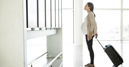 vliegen; zwanger; klm; transavia; luchtvaartmaatschappij; vakantie; zwangerschap; Mama to the max; mamatothemax
