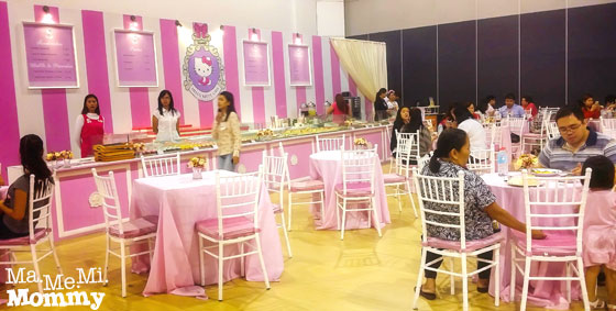 Toy Expo 2014 Hello Kitty Cafe