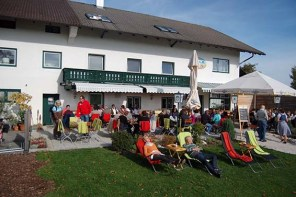Spielplatz, Natur und Alpenpanorama: Auf zum Heiß