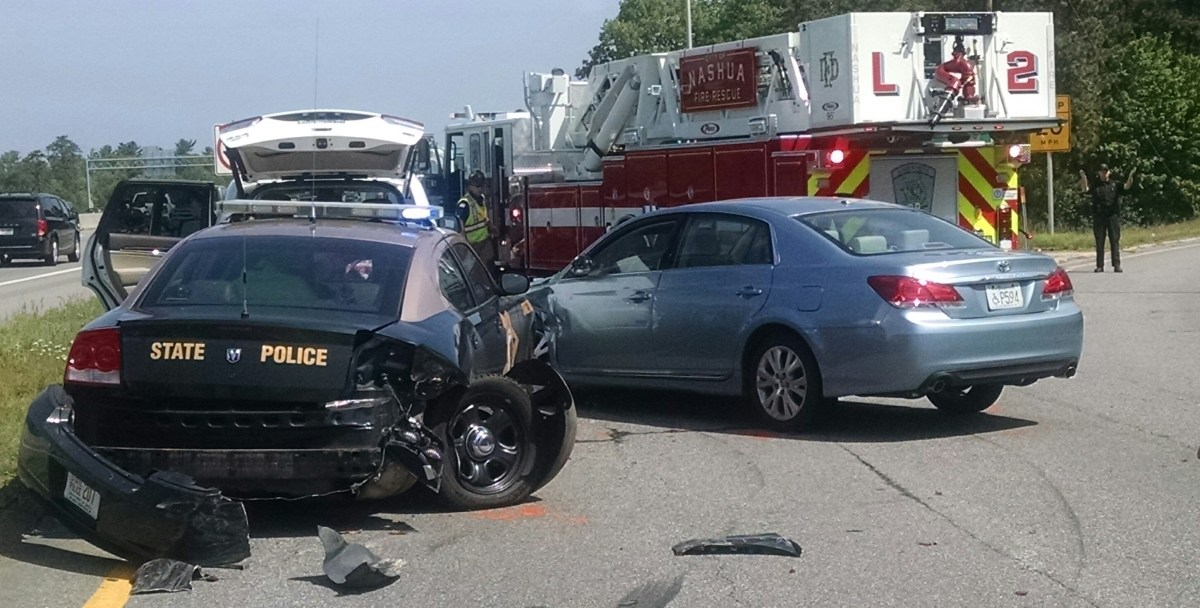 Driver slams car into State Police cruiser on highway