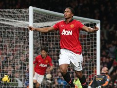 Man-United-v-Swansea-Antonio-Valencia-of-Manc_3064883