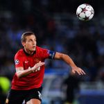 Vidic stalling on new United contract