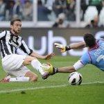 man-utd-receive-boost-in-midfielder-chase