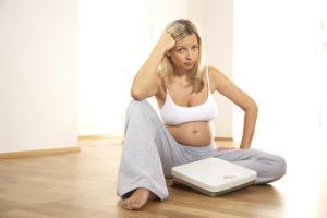 femeie gravida cantar