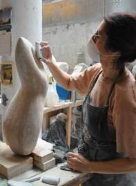 woman_sculpting-a