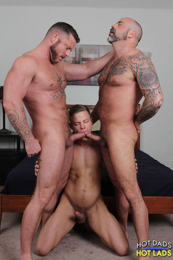 Manhunt Daily - Three's Company: Joseph Rough & Scotty Rage Tag-Team ...: manhuntdaily.com/2014/04/threes-company-joseph-rough-scotty-rage...