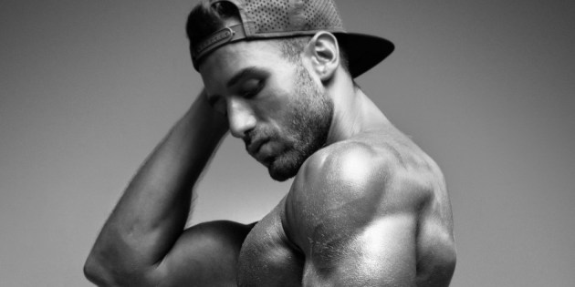 Manhunt Daily Wood: Lolo Mari's Glistening, Sculpted Physique
