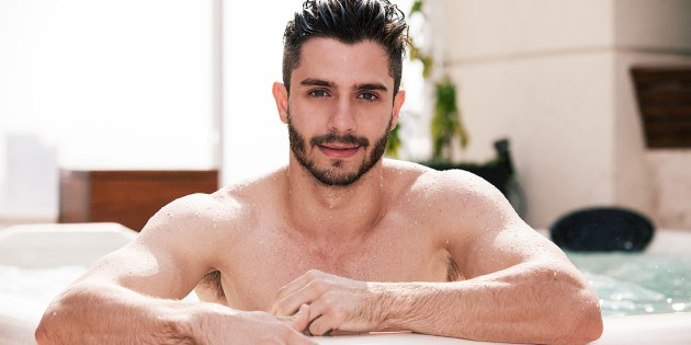 Manhunt Daily Wood: Meet Gorgeous Brazilian Model Orlando Baronne