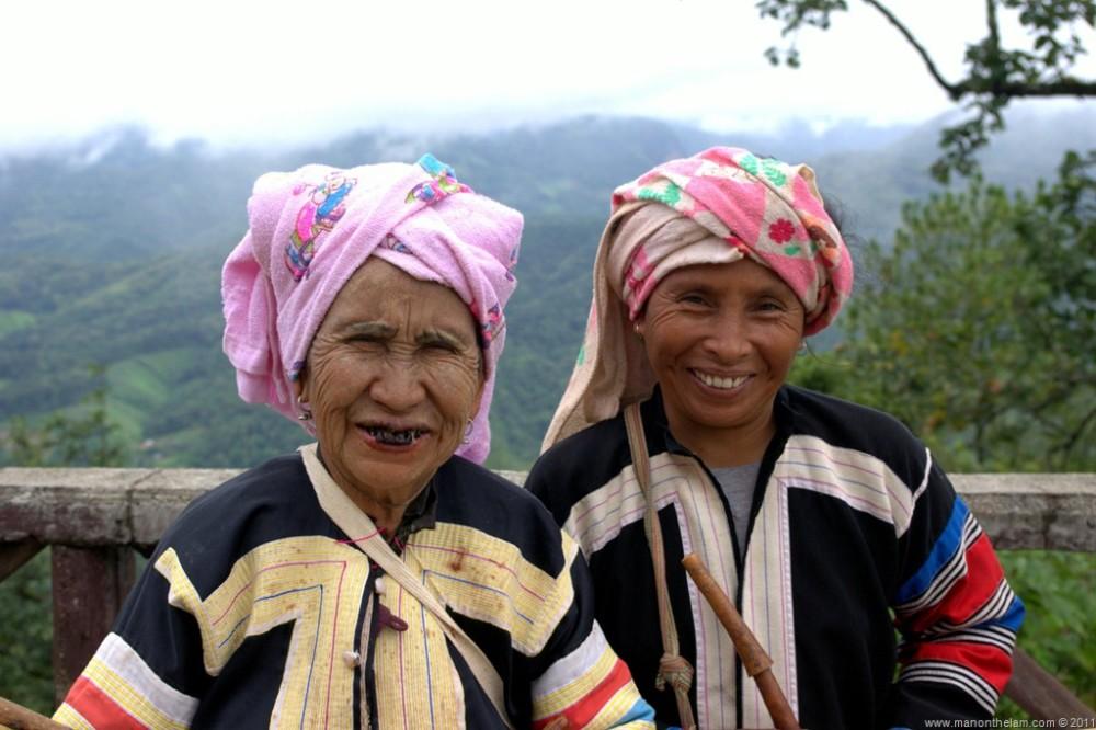 Lahu-Tribe-Women-Thailand.