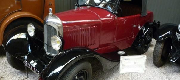 Carro antigo Musée do automobile, Reims, França