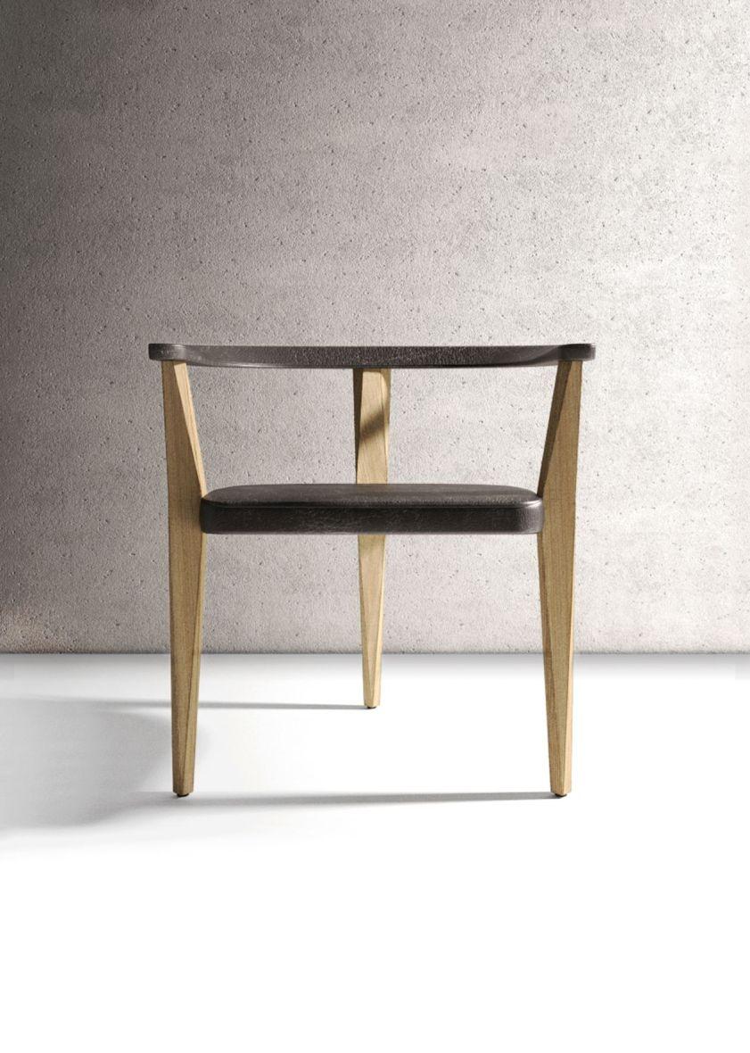 Der Tribeca Chair entstand nach dem Design von Francisco Cortina.
