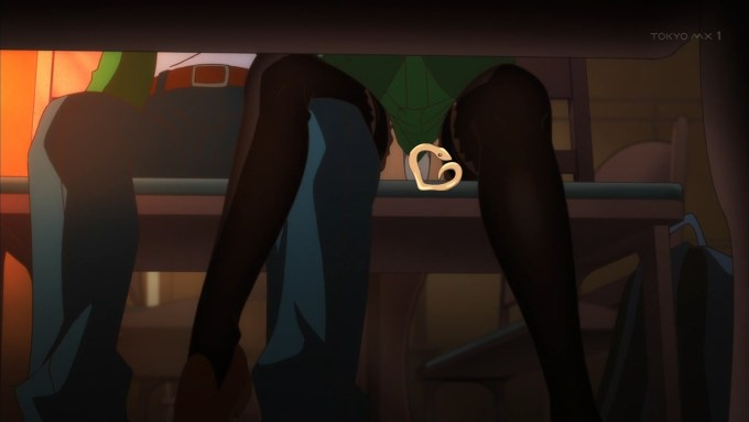 香椎結衣と羽柴ジュンイチの脚