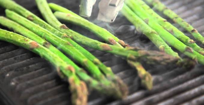 Spring Salad Greens with Roasted Asparagus