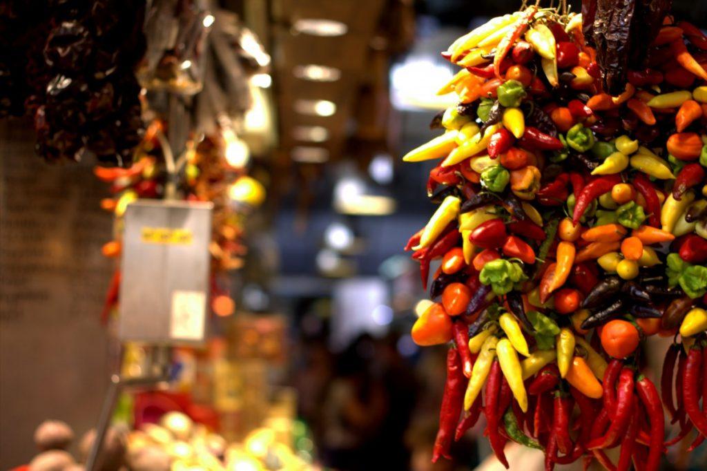 Barcelona_market_peppers
