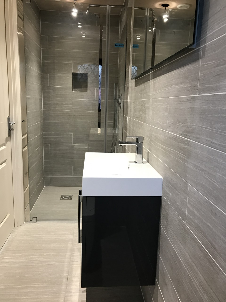 Engrossing French En Suite Bathroom Installation En Suite Shower Room To Wet Room En Suite Shower Room To Wet Room Marchbank Bathrooms En Suite Bathroom houzz-03 En Suite Bathroom