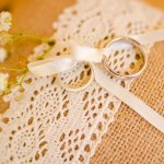 Mariage Réunion Ma Régisseuse wedding planner alliances dentelle ruban