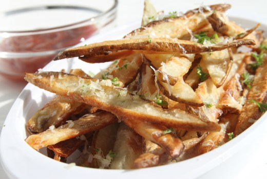 Garlic-Parmesan-French-Fries
