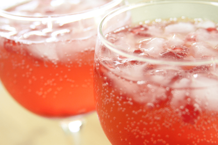 Slim & Trim: Pomegranate Spritzer