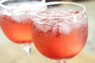 Slim & Trim: Pomegranate Spritzer