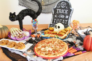 Halloween Spooky Party Planning w/ Giant