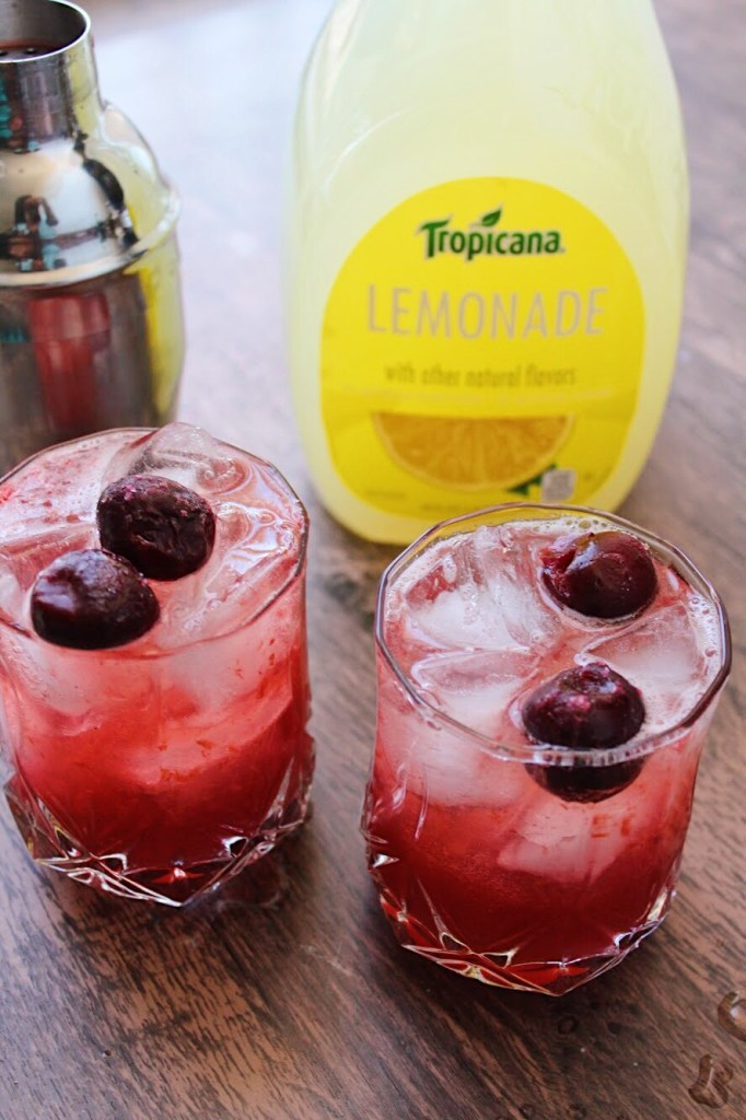 Sparkling Black Cherry & Vanilla Bourbon Lemonade! Made; If you are a fan of black cherry and vanilla this the perfect drink for you! It's the perfect drink for the fall and winter months. With flavors of black cherry, vanilla, bourbon, and lemonade!
