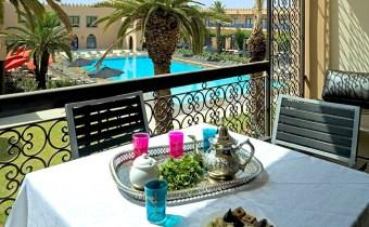 Une nuit pour 2 adultes+2 enf avec PDJ+jacuzzi à hôtel à Marrakech!
