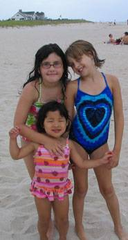 beachgirls2005.jpg