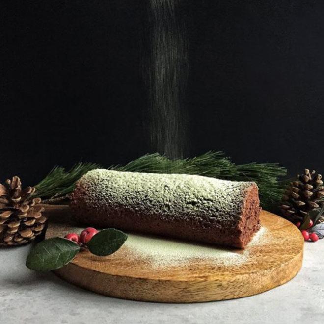 Chocolate roulade matcha sugar
