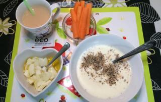Yoghurt, ägg, morötter och té