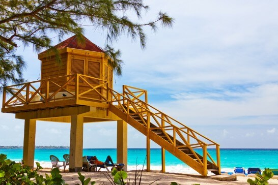 海外のビーチのlifeguard