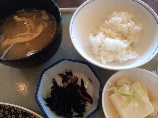 鎌倉プリンスホテルの朝食のご飯・味噌汁など