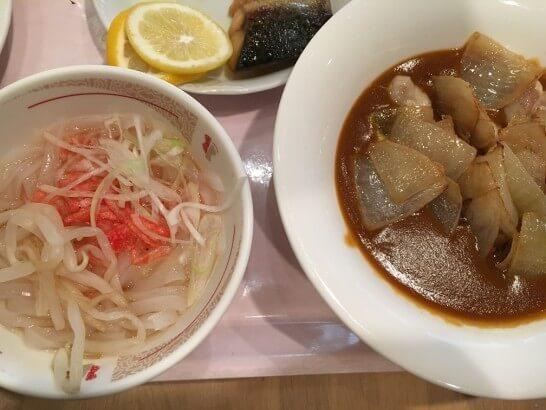 オークラ東京ベイの朝食ビュッフェのヌードル・カレー