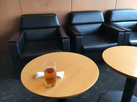 羽田空港のエアポートラウンジ(北)の座席