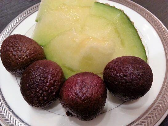 休暇村奥武蔵の夕食のメロン・ライチ