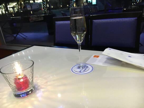 ホテルメトロポリタンエドモントのレストランのテーブル