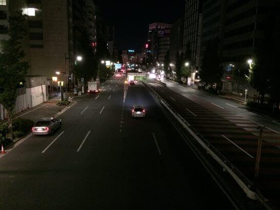 センターホテル東京に行く途中の道路 (2)
