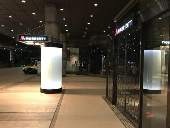 東京マリオットホテルの夜の入口
