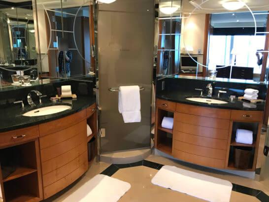 ザ・リッツ・カールトン東京のスイートルームの洗面所