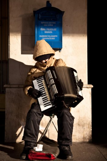 matteo-vegetti-croatia-zagreb-accordion-player-10