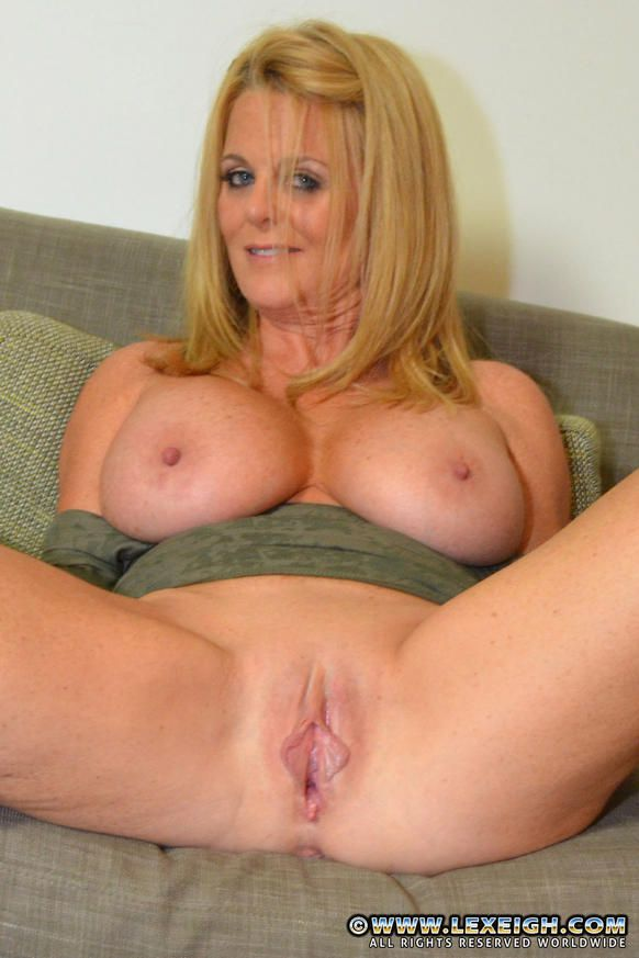 lexeigh milf wife sexy