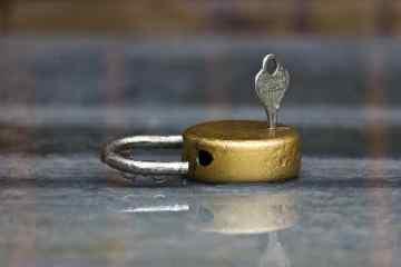 lock-143616_1280-min